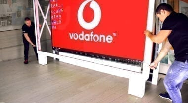 vodafone red 02a